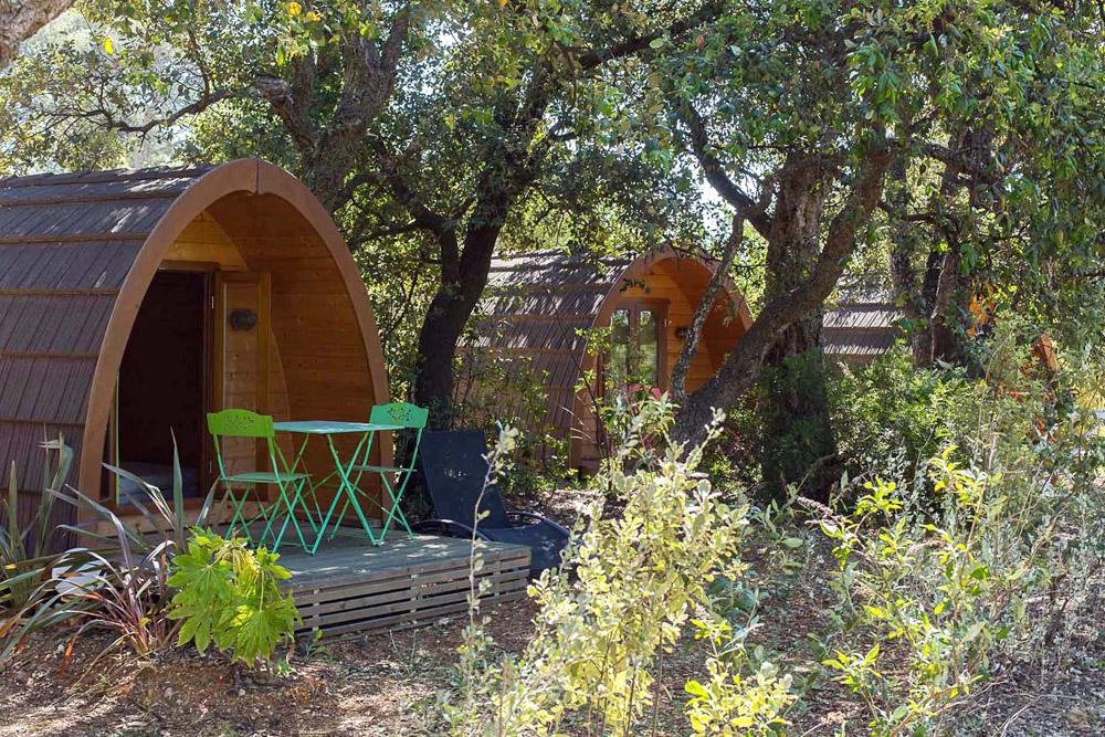 terrasses-amenagees-dans-les-cabanes DE