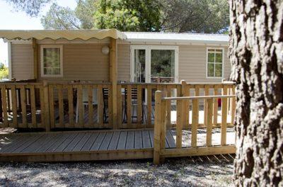 Vermietung von barrierefreien Mobilhäusern für Menschen mit Handicap auf einem Campingplatz