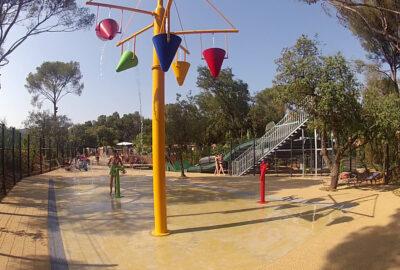 Camping Wasserpark Wasserspiele Rutschbahn Ferien Kinder Familie