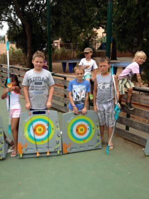 Aktivitäten für Kinder während der Familienferien auf einem Campingplatz in Südfrankreich