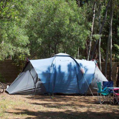 Stellplätze Confort Small – preisgünstig für Zelte / Wohnwagen