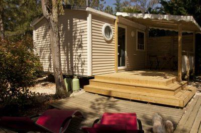Mietobjekt: Mobilhaus für erholsame Ferien im Liegestuhl auf einer Terrasse
