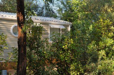 Ganz hochwertiges Mobilhaus für naturnahe Ferien in der Nähe von den Mittelmeerstränden