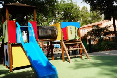 Spielplatz und spielerische Aktivitäten für Kinder in der Nähe von Bormes-les-Mimosas