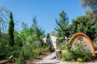 Naturnaher Campingplatz mit Unterkunft für 10 Personen in Hyères – preisgünstig