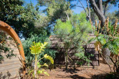 Ungewöhnliche, naturnahe und preisgünstige Holzhütten auf einem günstigen Campingplatz in der Provence
