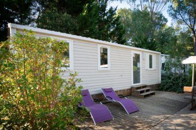 Familienfreundliches und naturnahes Mobilhaus mit schattiger Terrasse an der Côte d'Azur