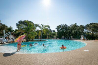 Solarium Whirlpool Spa Planschbecken Großbecken Beheiztes Schwimmbad