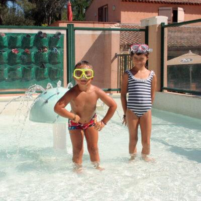 Camping Hyères Beheiztes Schwimmbad Beheiztes Planschbecken Ferien Kind