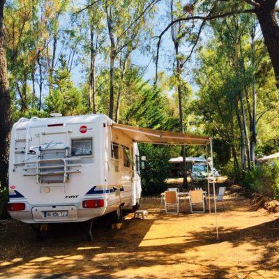 Stellplätze « Basic » – preisgünstig für Wohnwagen / Wohnmobile