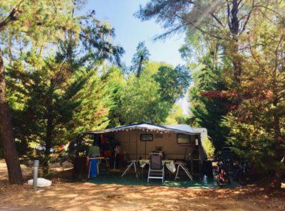 Stellplatz für Zelt oder Wohnwagen auf einem Campingplatz - Côte d'Azur