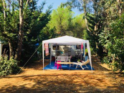 Billiger Stellplatz  für Wohnwagen auf einem Campingplatz
