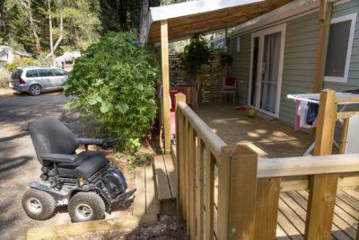 Hochwertiges und barrierefreies Mobilhaus für Menschen mit Handicap in La-Londe-les-Maures