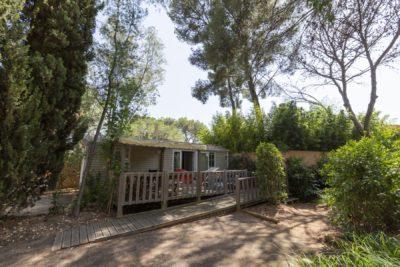 Voll eingerichtetes Mobilhaus mit viel Platz für Ferien in Hyères