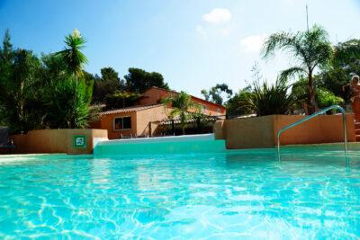 Wasserpark Beheizter Pool Sommerferien Sonne