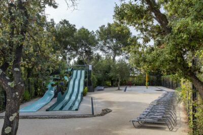 Erlebnisbad Kinder Schwimmbad Rutsche Wasserspiele Familie