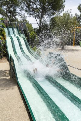 Mittelmeer Kinderpool Tobbogan Wasserspiele