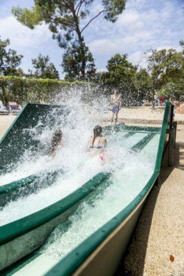 Hyères Strand Wasserpark Rutschbahn Ferien