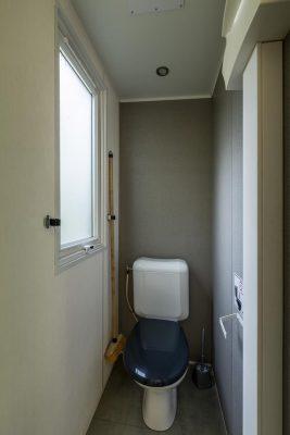 Komfortables Mobilhaus mit Klimaanlage und 2 Schlafzimmern