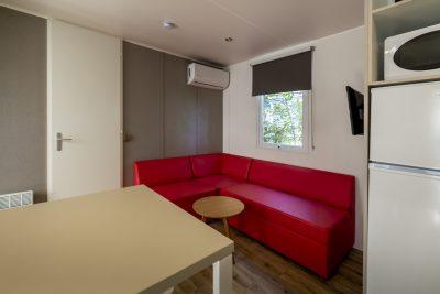 Hochwertiges Mobilhaus mit Klimaanlage auf einem Campingplatz in Hyères