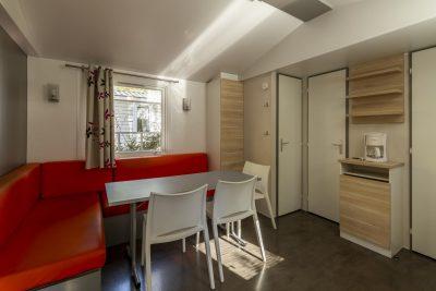 Preisgünstiges Mobilhaus mit Klimaanlage und allem Komfort
