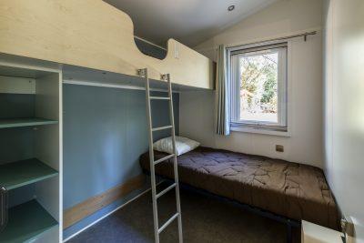 Viel Platz und Komfort in einem barrierefreien Mobilhaus für Menschen mit Handicap auf einem Campingplatz
