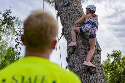 Campingplatz an der Côte d'Azur - Aktivität Klettern für Kinder