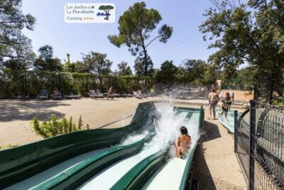 Hyères Schwimmbad Wasserpark Rutschbahn Ferien Entspannung